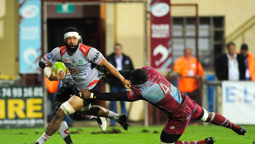 Oyonnax frappe fort