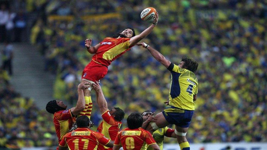 """<p class=""""txt-legende-2011""""><B>2009 : Finale du Top 14 au Stade de France</B></p>"""