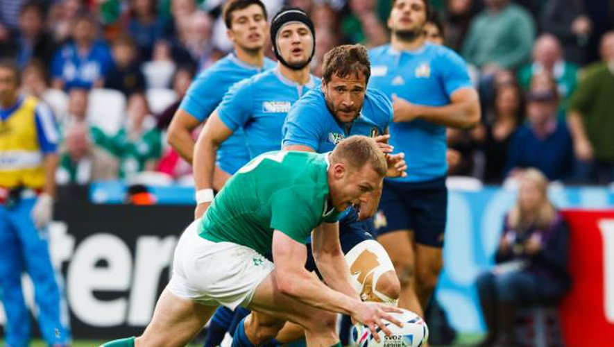 Les Irlandais se font peur mais se qualifient pour les quarts
