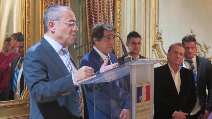 """<p class=""""txt-legende-2011""""><B>L'ambassadeur de France Jean-Michel Casa a rappelé l'attachement de la France à son pays hôte.</B></p>"""