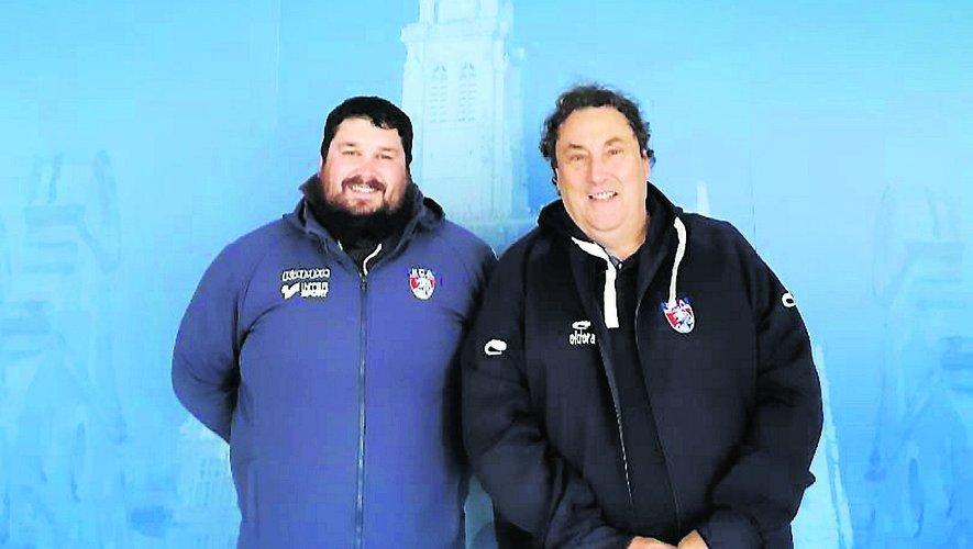 Déjà responsable de l'école de rugby, Antony Scellers, ici à gauche avec le président Gérard Camus, a été nommé entraîneur adjoint de la première. Reste à trouver l'entraîneur principal.