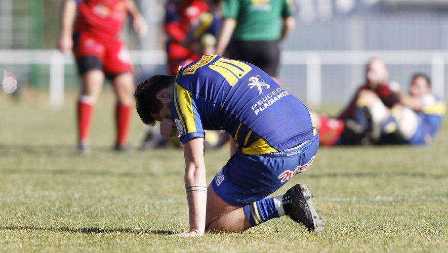 Les joueurs de La Salvetat soulagés après leur ultime victoire. Photo Valentine Chapuis