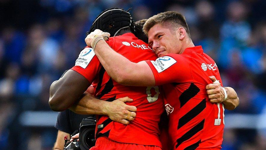 La joie d'Owen Farrell et Maro Itoje après la victoire des Saracens en finale de Champions Cup contre le tenant du titre, le Leinster