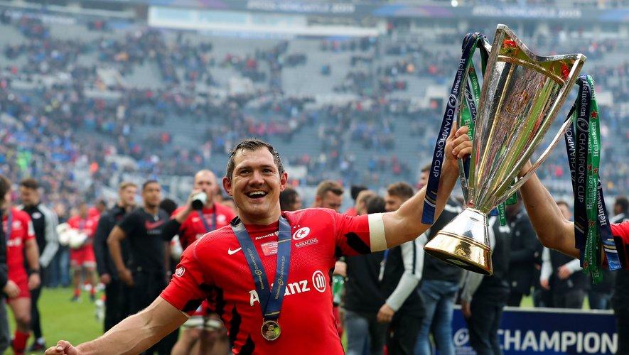 Alex Goode (Saracens) élu meilleur joueur de la compétition célèbre la victoire de son équipe contre le Leinster
