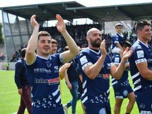 Les joueurs de Vannes après leur magnifique victoire contre Mont-de-Marsan