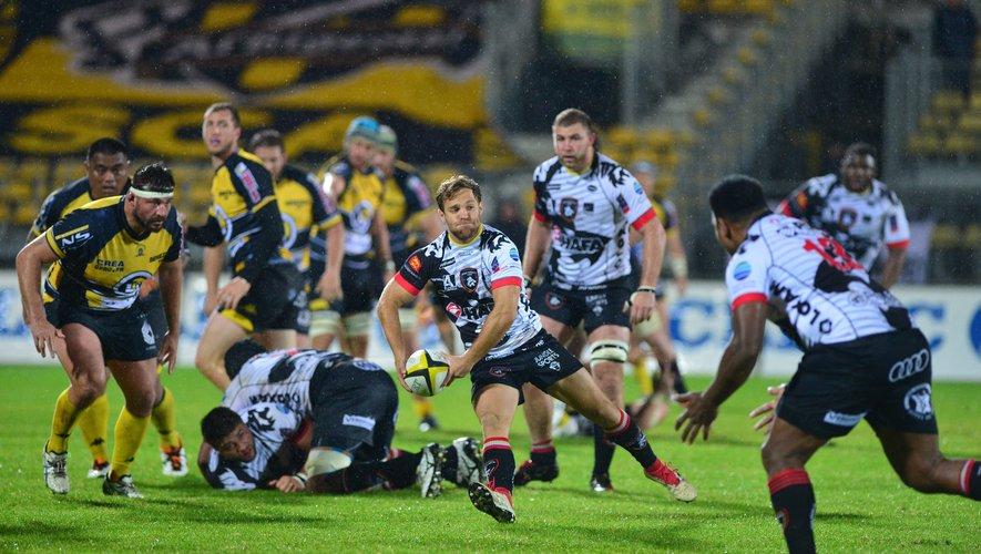 Les Rouennais de Bastien Cazale-Debat, malgré la défaite en demi-finale aller de trophée Jean-Prat face à Albi, sont aux portes du Pro D2 et redéssinent la géographie du rugby professionnel.