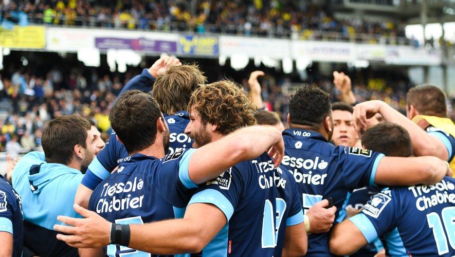 Les joueurs de Montpellier célèbrent la qualification pour les phases finales de Top 14
