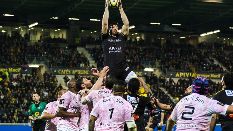 Romain Sazy, capitaine de La Rochelle, heureux de la victoire des siens contre le Racing 92 en barrage de Top 14