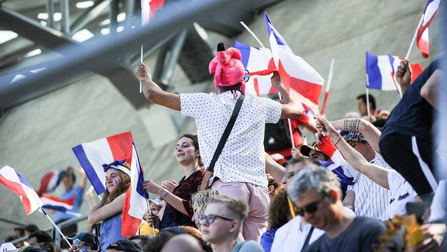 Les supporters français lors du Tournoi de Paris Sevens