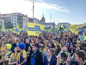 Les supporters clermontois étaient chauds place de Jaude avant la finale