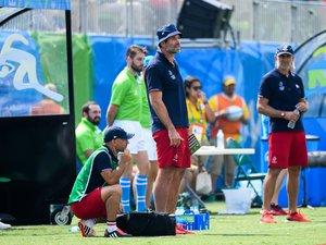 Le coach de l'équipe de France à 7 au bord du terrain
