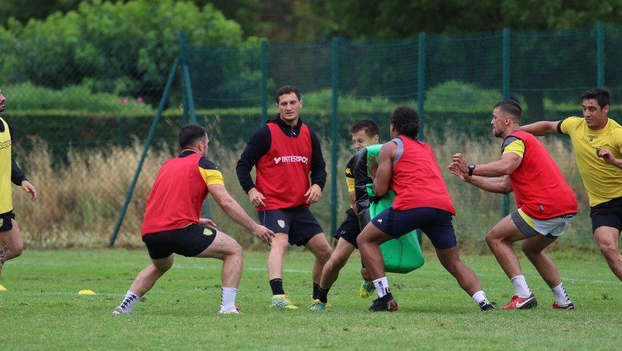 Pro D2 - Gilles Bosch (ici de face) à l'entraînement avec ses coéquipiers