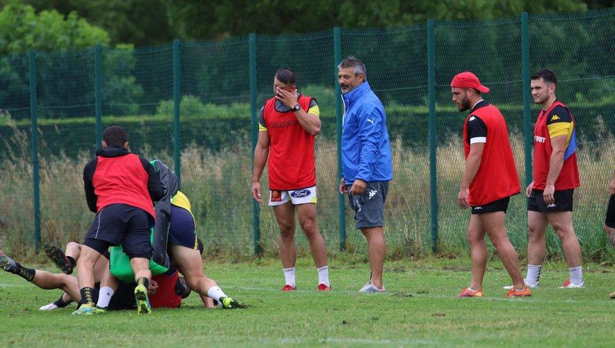 Pro D2 - Christian Labit (Manager sportif de Carcassonne) avec ses joueurs