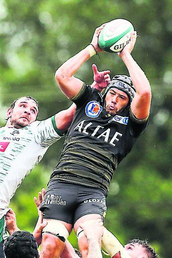 Julien Tastet contre Pau