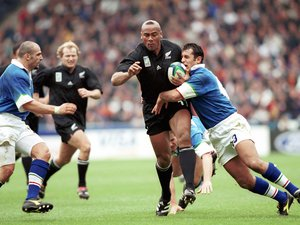 Jonah Lomu contre l'Italie en 1999.