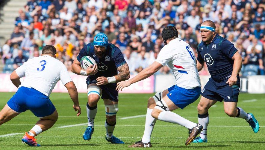 Blade Thomson et les avants écossais ont mis à mal le pack français dans le jeu au sol.