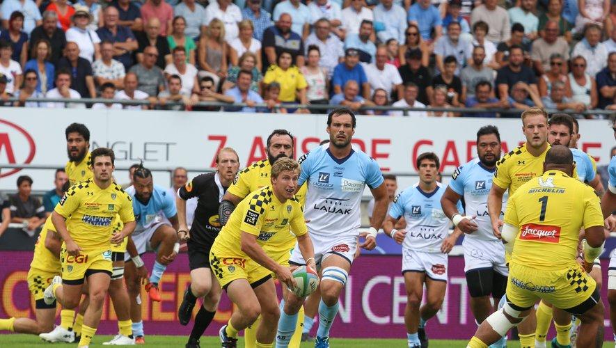 Top 14 - Auteur de 19 points, l'ouvreur Jake McIntyre a pesé sur le match et a contribué à la victoire des Auvergnats dans le Pays basque. Photo Pablo Ordas