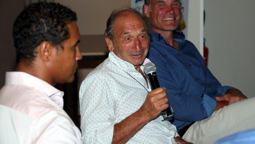 Thierry Dusautoir, Pierre Villepreux et Fabien Pelous lors du débat organisé par Midi Olympique à Labastide.JPG