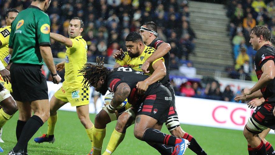 Mathieu Bastareaud et les siens se sont rendus coupable de nombreuses fautes, qui leur ont coûté la victoire. Photo Vincent Duvivier