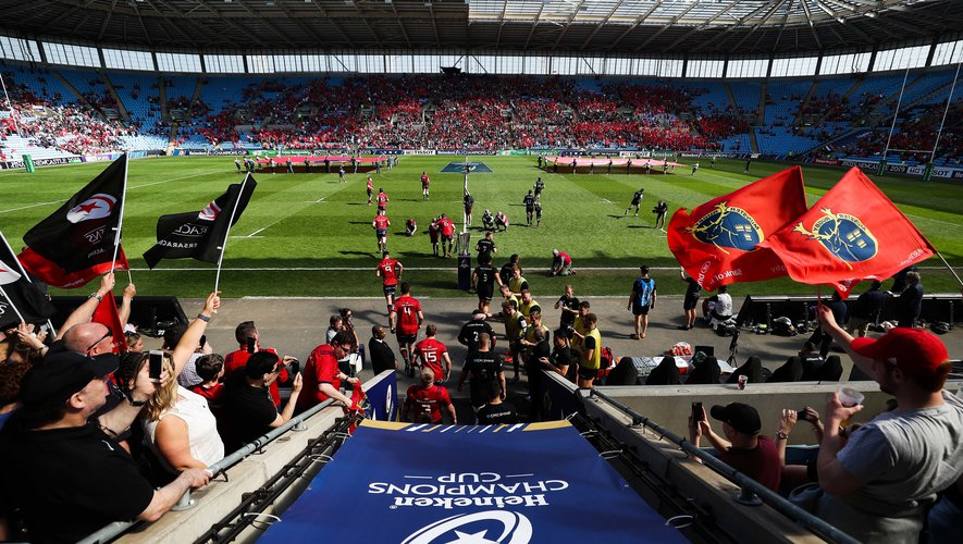Saracens and Munster take the field for the European Champions Cup semi final match at the Ricoh Arena, Coventry, England. Photo by David Davies / PA Images / Icon Sport