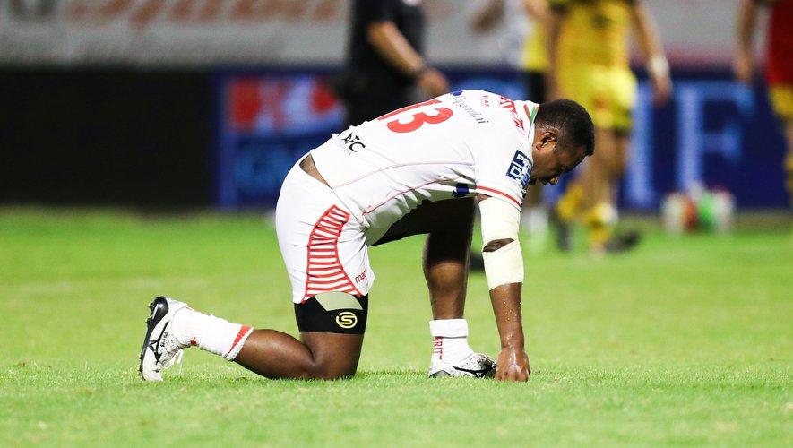 La déception d'Adriu Dela lors du match Carcassonne - Biarritz.