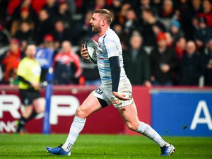 Finn Russell (Racing 92) contre le Munster