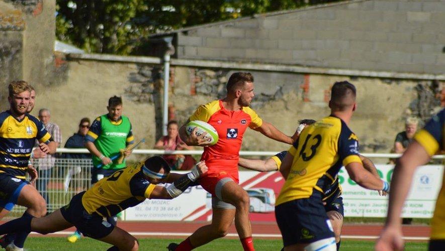 Les Villardois (en rouge) reçoivent Saint-Savin et tenteront de s'appuyer sur leur bonne défense pour contrer les Nord-Isérois. La deuxième place de la poule 3 de Fédérale 3 est en jeu !