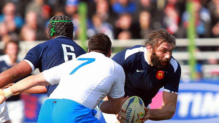 Sébastien Chabal et d'autres Bleus payèrent cher cette défaite hsitorique face à l'Italie.
