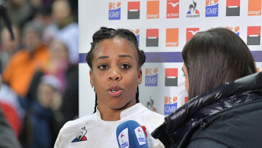 Julie Annery, joueuse de la rencontre, n'a pas ménagé ses efforts défensifs. Elle parvient même à incrire un essai. Photo Thomas Jouhannaud