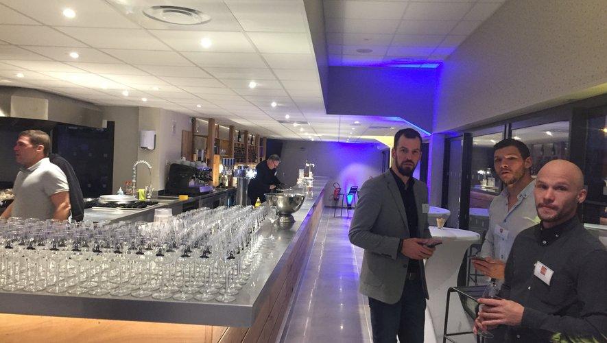 Vincent Lucas, ancien demi de mêlée du club, a construit le bar, d'une longueur de vingt-et-un mètres.