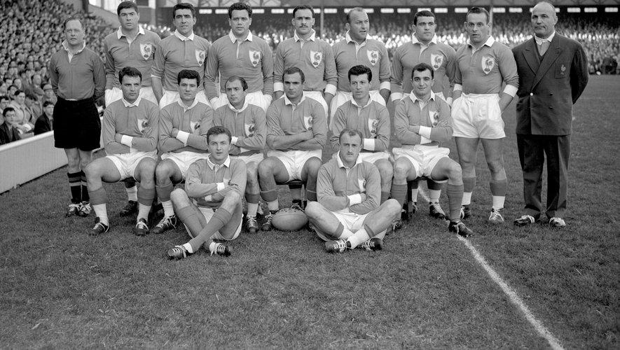 L'équipe de France le 28 février 1959. Arnaud Marquesuzaa se trouvait assis à droite de la deuxièmeligne