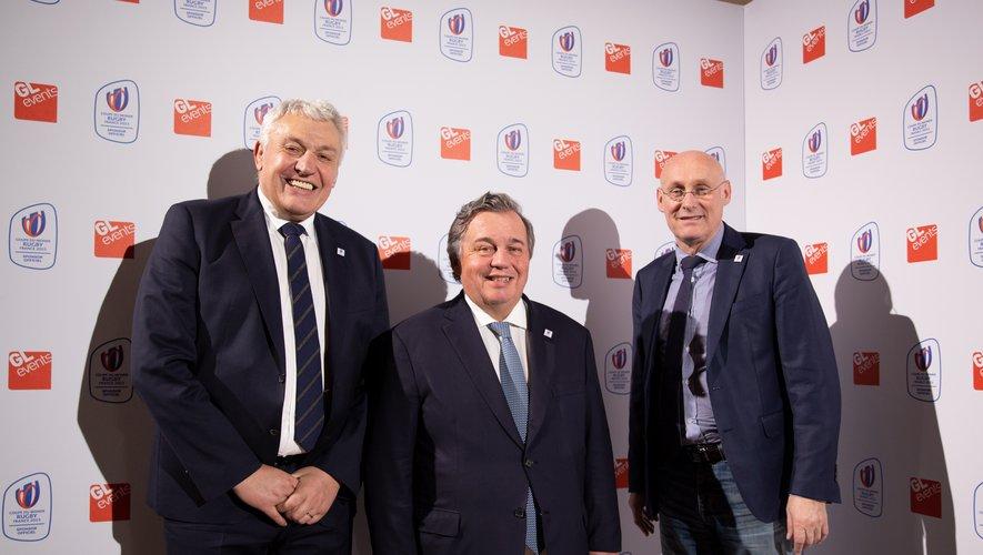 Olivier Ginon, président de de GL Events, entouré par Claude Atcher et Bernard Laporte