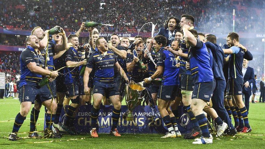 Les joueurs du Leinster fêtant la victoire en Champions Cup contre le Racing 92