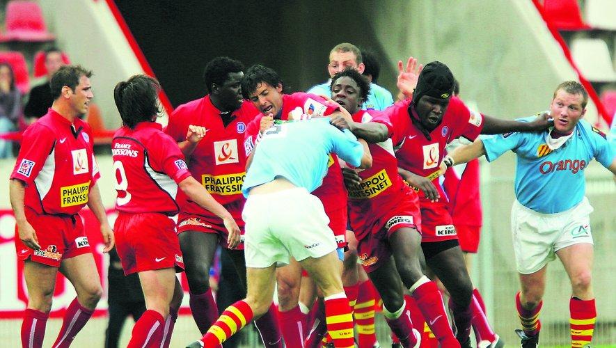 Yannick Nyanga (Béziers) contre Perpignan en 2004