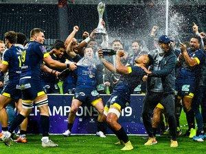 Les joueurs de Clermont après leur victoire en finale de Challenge Cup contre La Rochelle