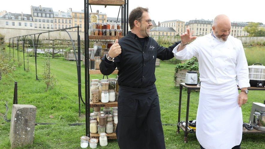 Philippe Etchebest et Michel Sarran se retrouvent côte à côte dans l'émission Top Chef, bien que leurs avis sur le rugby divergent. L'un supportant Toulouse, l'autre Bordeaux.