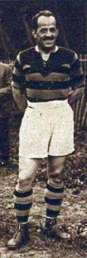 Le deuxième ligne français Aimé Cassayet (photo du bas) était un joueur rude et actif. Le trois-quarts centre Richard Hyland, arme atomique de cette équipe américaine surgiede nulle part.