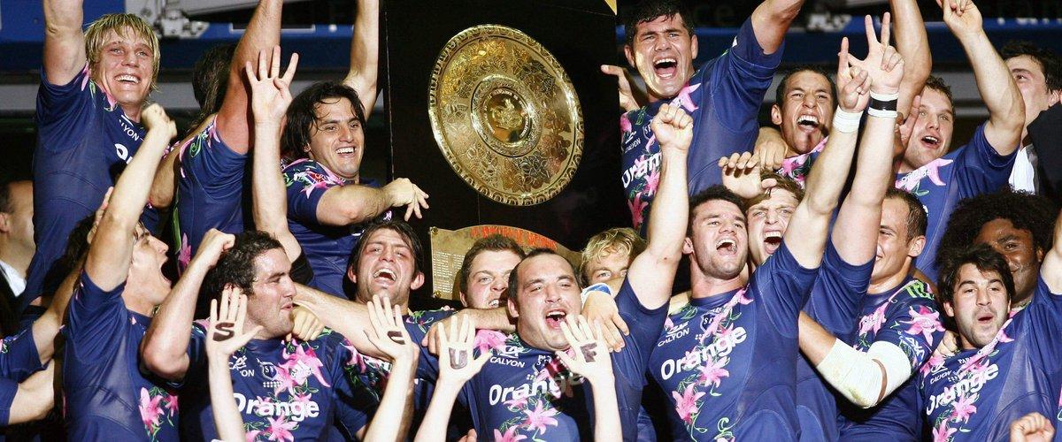 La joie des joueurs du Stade Français, après avoir soulevé le Bouclier de Brennus, en 2007. Le 5e, et dernier, de l'ère Guazzini.