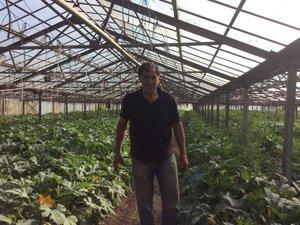 Jean-Charles Orso cultive des légumes en agriculture biologique et écoule essentiellement sa production dans la région provençale. Outre la vente de ses produits aux restaurateurs locaux, il exporte ses fleurs de courgettes dans le monde entier.