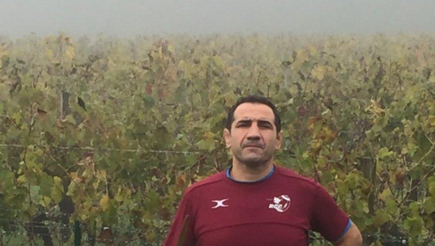 Exploitant d'un domaine de 17 hectares et travaillant trois appellations (Bordeaux, Bordeaux Supérieur et Lalande de Pomerol), Vincent Lagrave est engagé dans une lutte raisonnée avec un label Haute Valeur Environnementale. Photos DR