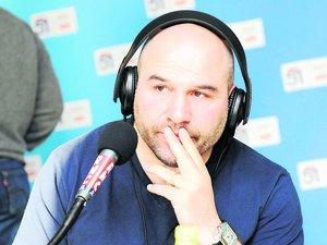 L'ancien talonneur international de Bordeaux-Bègles anime une émission de radio sur RMC.