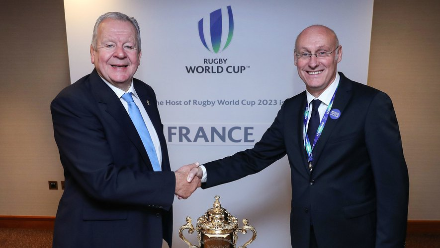 15 November 2017; World Rugby chairman Bill Beaumont, left, with President of the Fédération Française de Rugby Bernard Laporte after the Rugby World Cup 2023 host union announcement at the Royal Garden Hotel, London, England. Photo by Dave Rogers / World Rugby via Sportsfile / Icon Sport - Bill BEAUMONT -  (Angleterre)