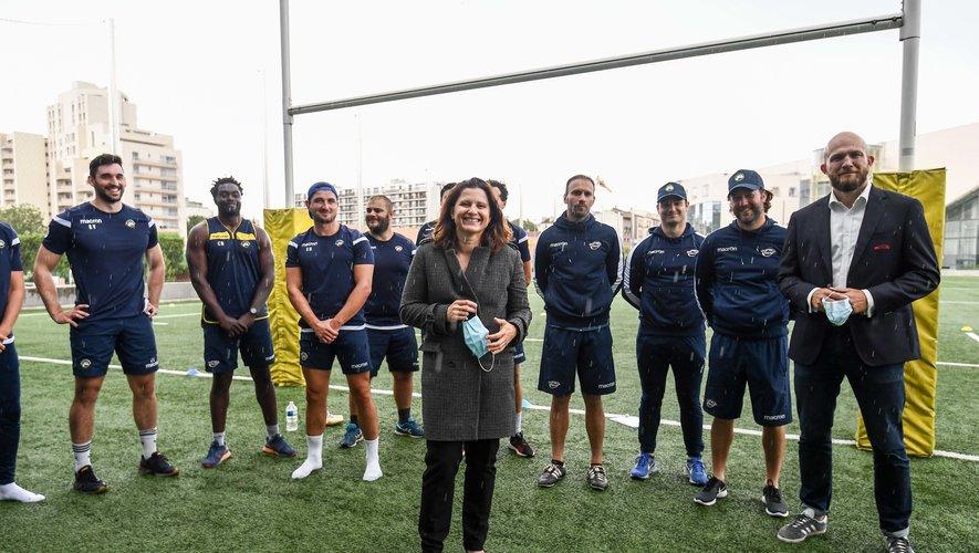 Roxana Maracineanu (Ministre des Sports) avec le Président du Rugby Club de Courbevoie