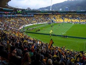 Après deux mois sans rugby, les supporters avaient soif de retrouver leurs équipes fétiches. Et les voilà de retour en masse dans les stades, comme ici lors de Hurricanes - Crusaders samedi dernier. Photo Icon Sport