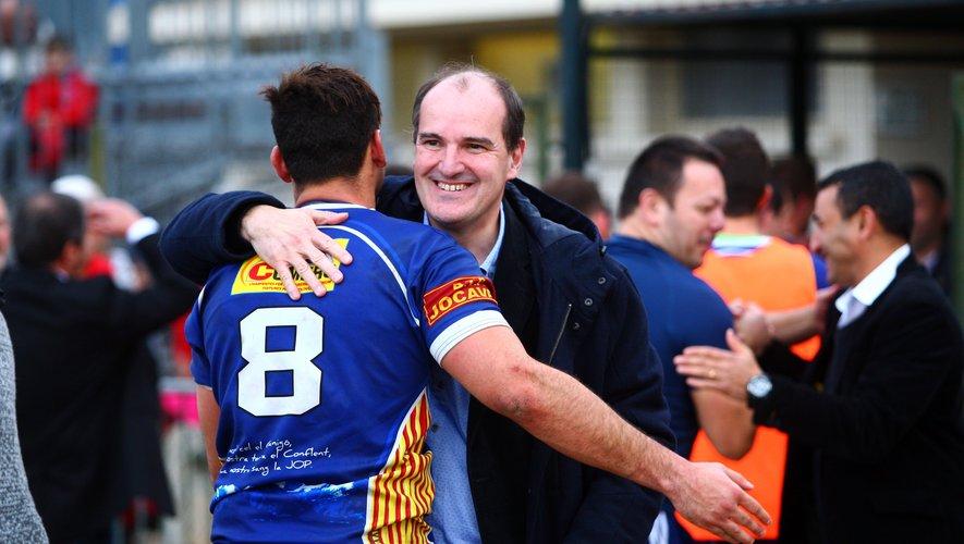 Jean Castex, nouveau Premier ministre, était souvent présent aux côtés des acteurs du rugby. À l'image en tribune avec Bernard Guasch président des Dragons catalans, mais également sur le terrain, en compagnie d'un joueur de Prades, commune dont il est le maire.