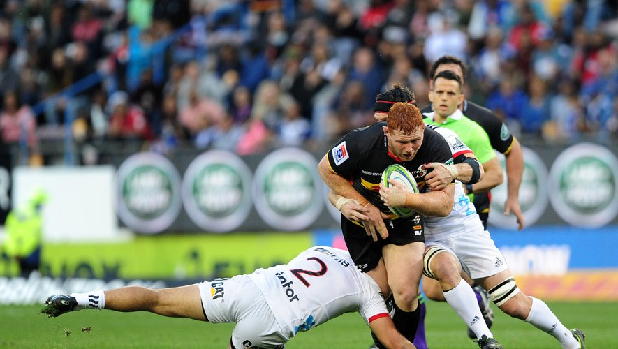 Si la Fédération néo-zélandaise parvient à imposer la réforme qu'elle exige du Super Rugby, les Stormers de Steven Kitshoff n'auraient plus le loisir d'affronter les Crusaders, comme ici en mai 2019.