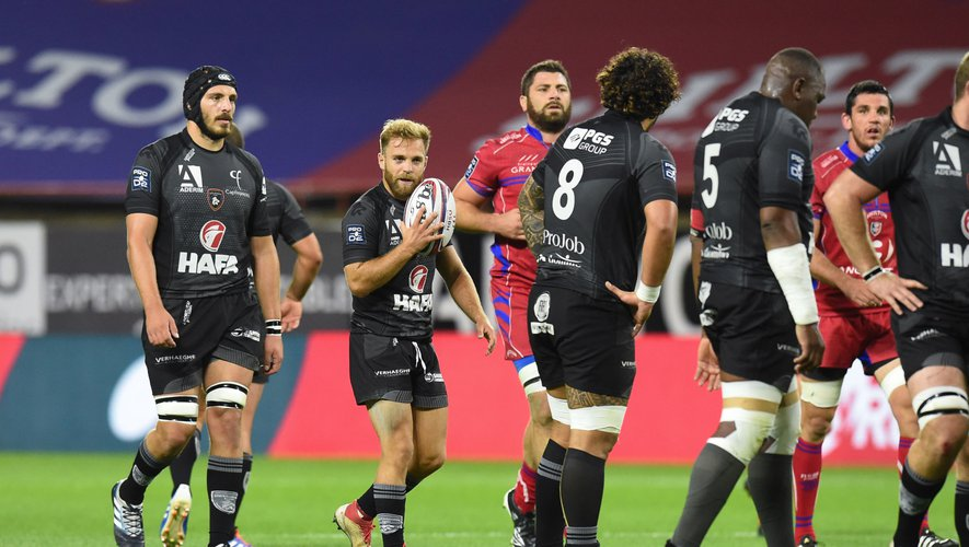 Bastien CAZALE DEBAT of Rouen with team-mates  during the Pro D2 match between Beziers and Rouen on October 11, 2019 in Beziers, France. (Photo by Alexandre Dimou/Icon Sport) - Bastien CAZALE-DEBAT - Stade de la Mediterranee - Béziers (France)