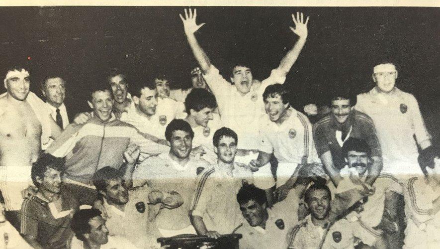 Pierre Pédeutour, François Pierre, Jean-Claude Ballatore et Tony Catoni, la génération niçoise des années 80. L'influence toulonnaise était toujours là, mais le club des Alpes Maritimes alignait des joueurs formés sur place. La greffe varoise avait bien pris.Ci contre : à droite : Nice, vainqueur du Challenge Yves Du Manoir 1985.En bas à gauche et à droite, André Herrero expulsé pour son dernier match en 1977. Il a marqué Nice de son empreinte après avoir marqué de la même façon Toulon.et même l'équipe de France.
