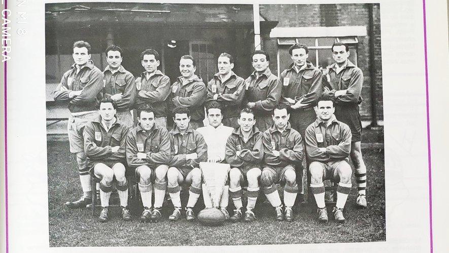 L'équipe mythique de la saison 46-47. Pierre Charpy est le premier à gauche au second rang. Louis Adami est le huitième. Jean Pétriacq est le premier à gauche au premier rang.