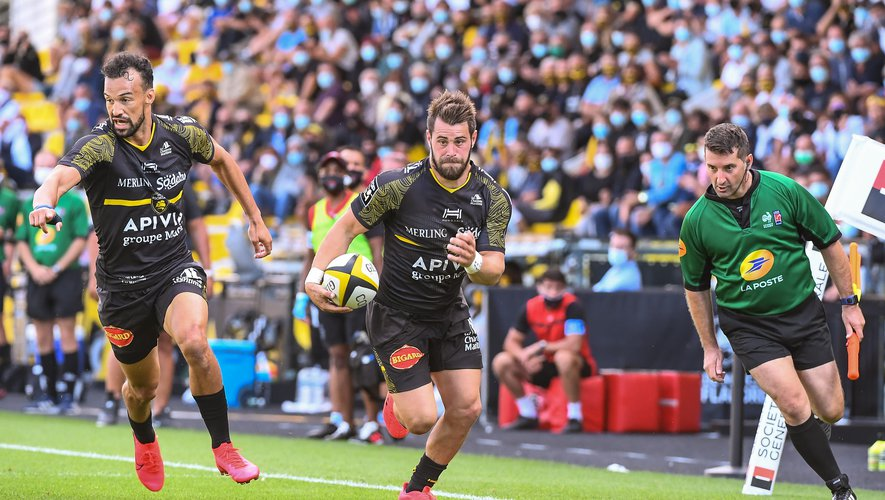 Arthur RETIERE of La Rochelle run to scores a try during the French Top 14 Rugby match between La Rochelle and Toulon, at Marcel Deflandre Stadium, La Rochelle, France on 5th September 2020. (Photo by Baptiste Fernandez/Icon Sport) - Stade Marcel-Deflandre - La Rochelle (France)